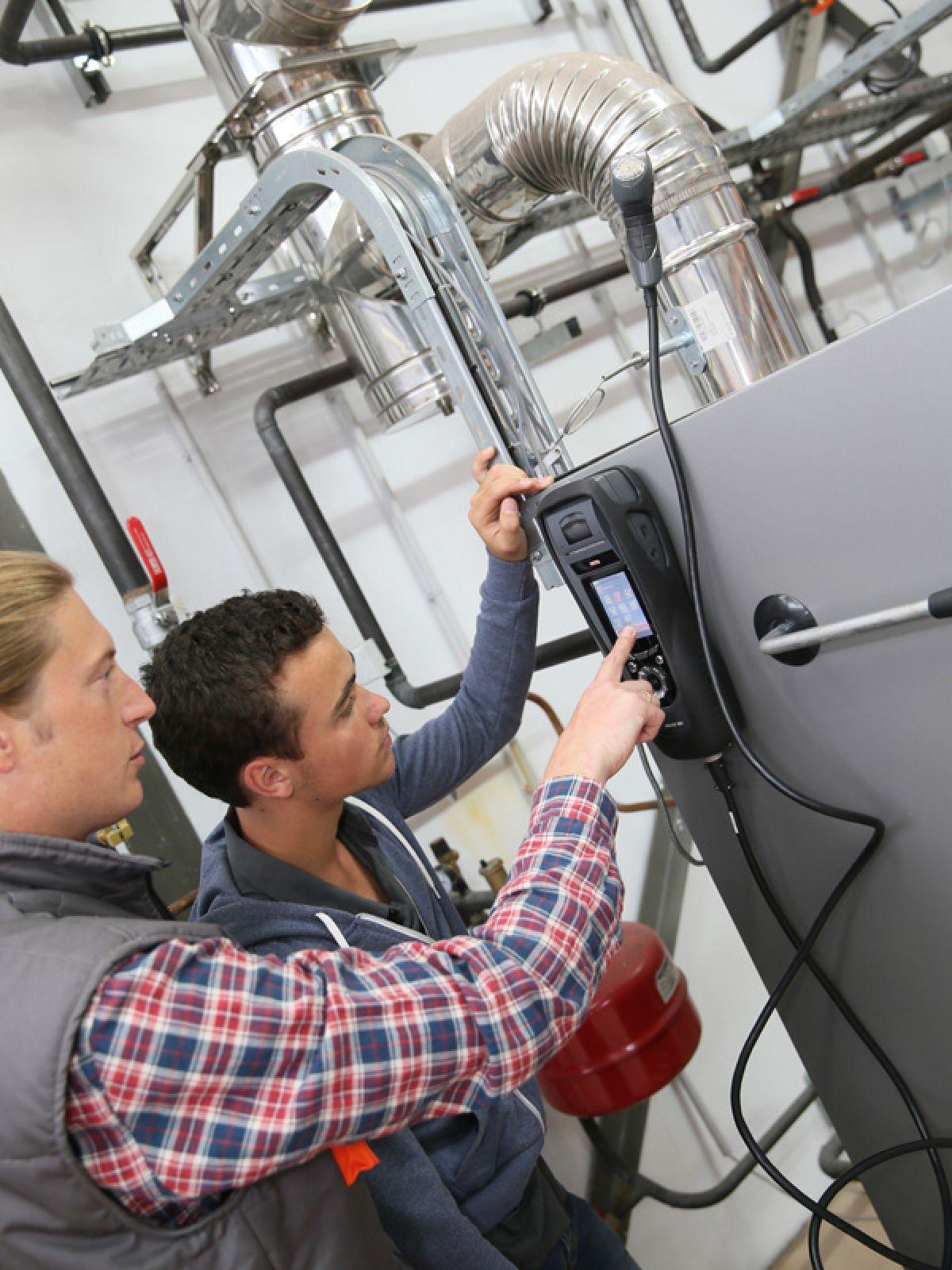 Pronto-intervento-caldaie-condizionatori2_1200_1600_1